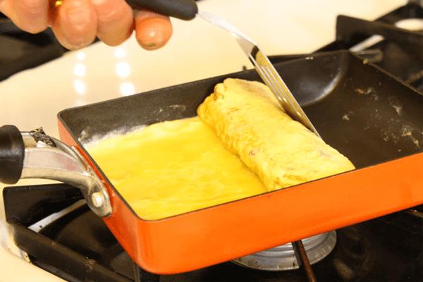alat masak untuk membuat omelet jepang